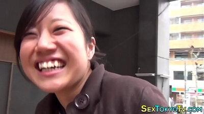 Bubby japanese momfronca flashing tits