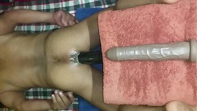Bisexual women Annabel has to suck big dick in bed