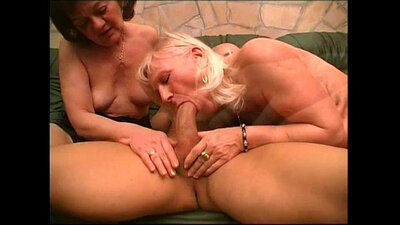 Amateur granny squirting and squeal - Pleasure Photorama