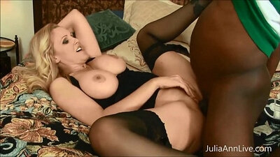 BBC MILF squeezing his fuck hole into Julia Ann mouth