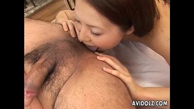 Cute babe Ami gets a mouthful of cum