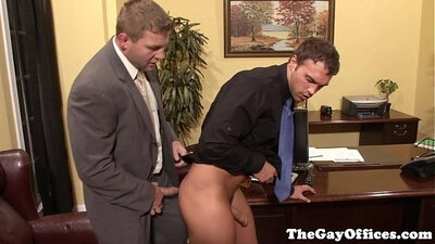 Asian dyke secretary sucks office assistant