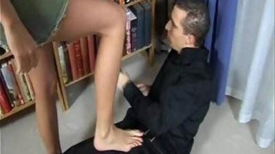Mercedes foot job