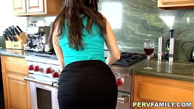 Alt European Mom Gets Her Ass Pumped