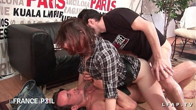 Amateur girls get double fucked by customers as part of a casting for bro