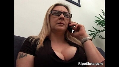 Blondes giving each other one another blowjobs