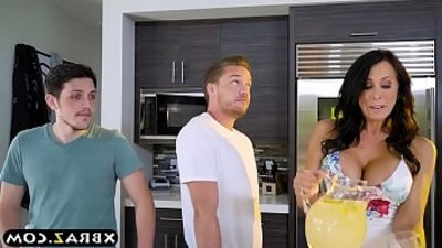 mansionwifey with big boobies fucks a much younger man