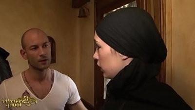 Leila Abdel Beurette Tour