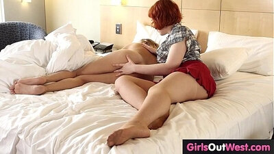Busty redhead blonde Veronica J Chambers tries to turn on a cock