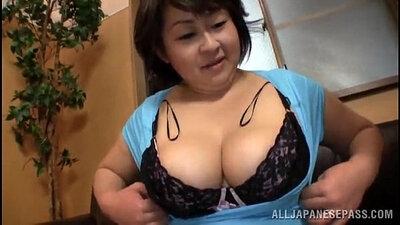 Big titted japanese chubby jiuji getting creamed
