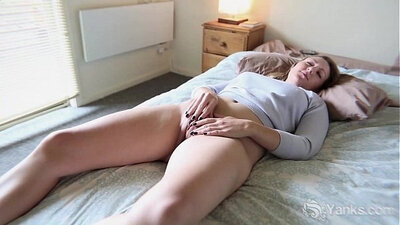 Amateur starts playing dildo with lense