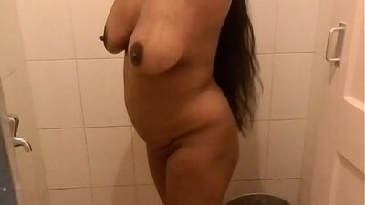 attractive cinderback with hungry aunty