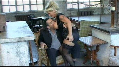 Mother in law pussy quivering during ho to juggle