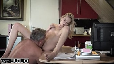 Young Old porn Martha gives grandpa a deep throatjob and has hook up with his old dick
