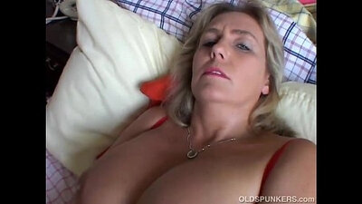 Chubby Mature Amateur Fucked In The Restaurant