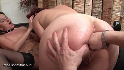 FFM French mummies ass fucked and pussies knuckle fucked in threeway
