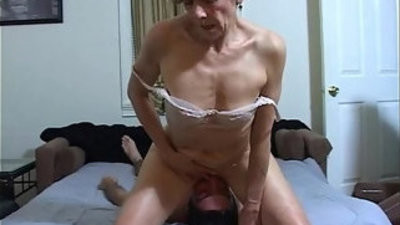 Horny milf facesits a slave for ass munching and cleaning