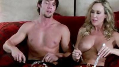 Bigtit housewife loves the taste of jizz