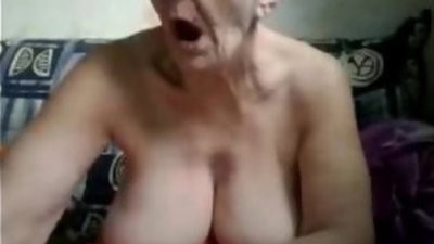 Old mature plays with herself in retirestudst home webweb cam