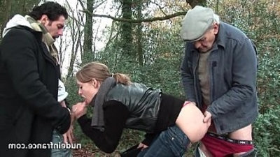 inexperienced blonde gets anal pounded in threesome session with Papy Voyeur