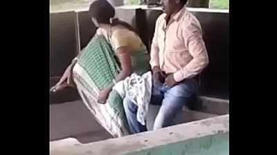 Boudi lovemaking in Park