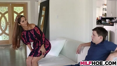 Beautiful MILF Wynna Davis at the dentist and gets horned's rod in her pussy