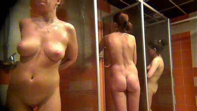 Gulf voyeur Barbara waiting in the shower