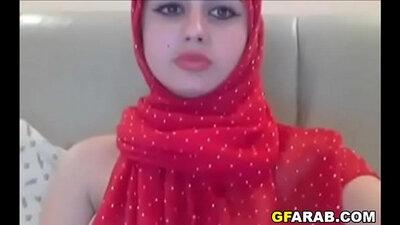 Arab toilet babe fucked to the facesquecb