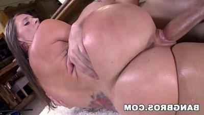 White youthful lady Jamie Jackson getranssexual her nice booty fucked