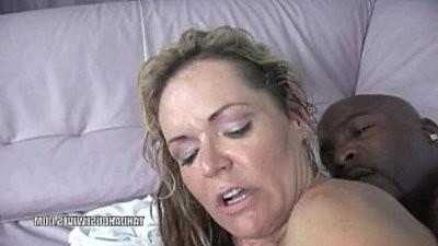 Blonde amateur blonde MILF Kelly Leigh rides a stiff black hard