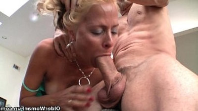 Squirting mummy Payton Leigh drains hard black cock