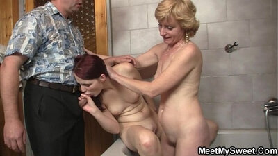 Blonde chick get pussy licked by mom